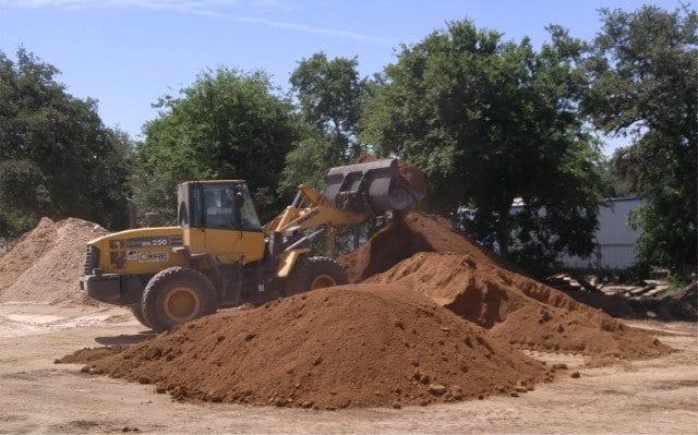 Screened Topsoil - Texas Soil and Stone